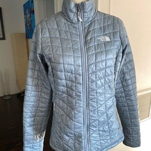 North Face Womens Thermoball jacket sz Small